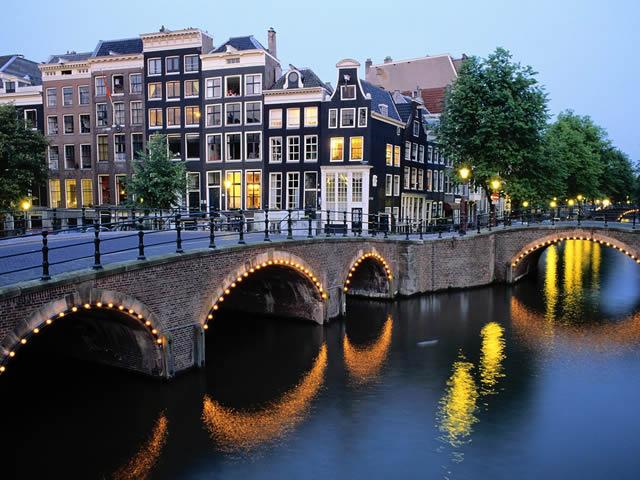 Benelux-Amsterdam-2.jpg